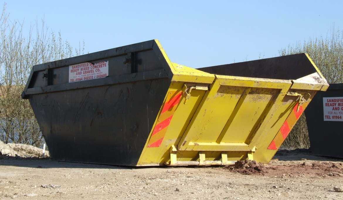 What are the benefits of hiring a skip in Wigan?