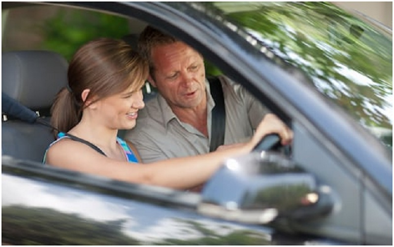 Why learning driving from an instructor is better?
